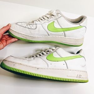 Nike Air Force 1 white ans green shoes